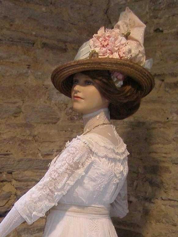 Madame la baronne vers 1910